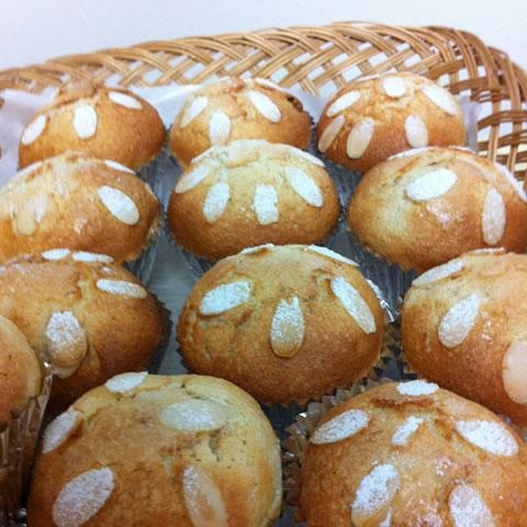 パン作りを行いました